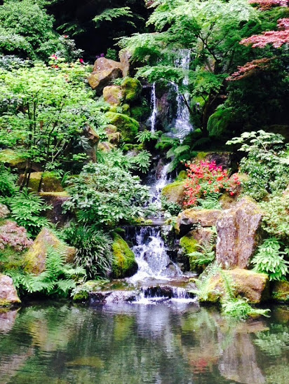 portland_japanese_garden_waterfall_2